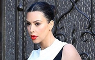 Kim's sleek & chic monochrome maternity look