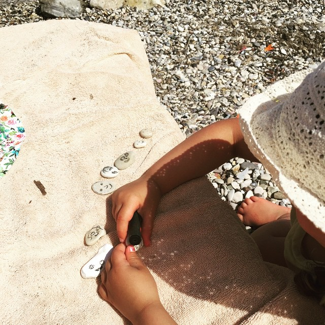 instamum - making pebble families - cocomamastyle