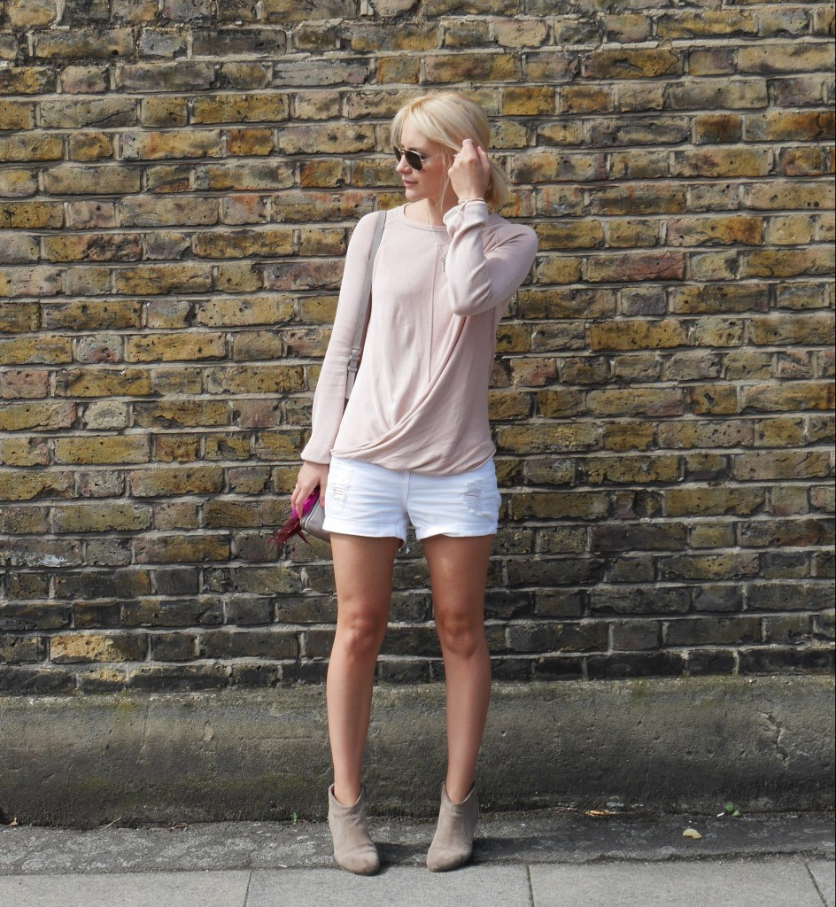Outfit of the day | Blush and white