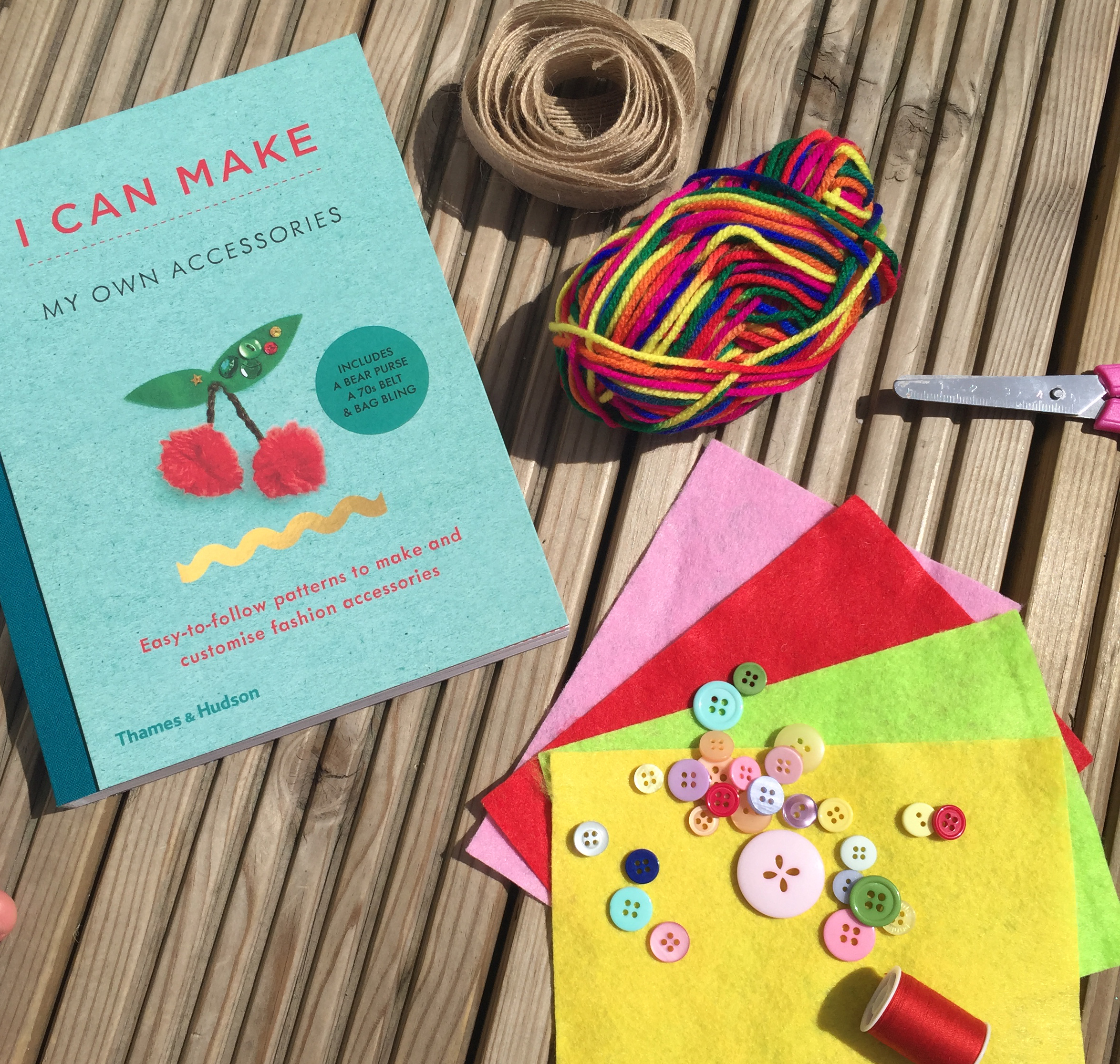 cocomamastyle | craft | school holiday activities | i can make book2